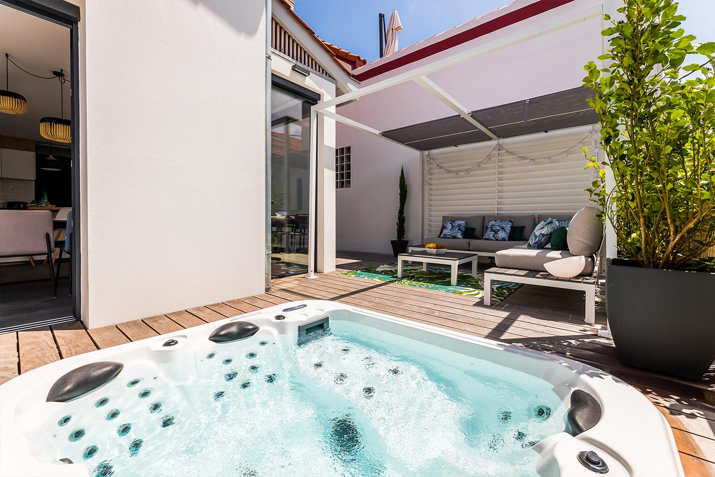 BLOOMY Rent a Townhouse with terrace and jacuzzi in Biarritz