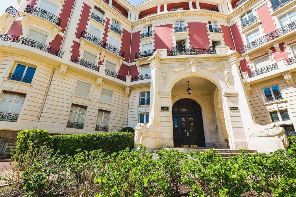 location vacances biarritz appartement hotel carlton